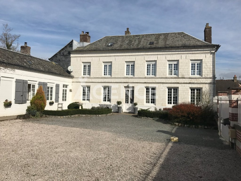PROPRIETE A VENDRE - SETQUES - 215 m2 - 358 800 €